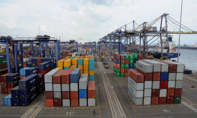 Digitalización de procedimientos aduaneros: menos papel y más tecnología